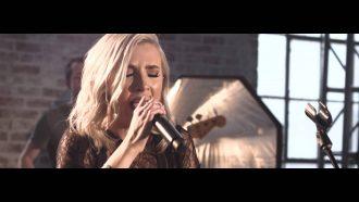 Bryan & Katie Torwalt – Let There Be Light