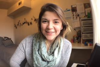 """Laura Souguellis conta sua história e como ela serviu para compor a canção """"Amor que enche""""."""